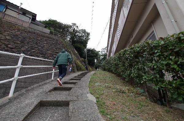 佐世保 ラーメン 天石上海楼 階段登る3