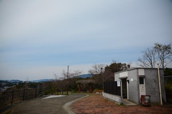 尾崎公園の広場