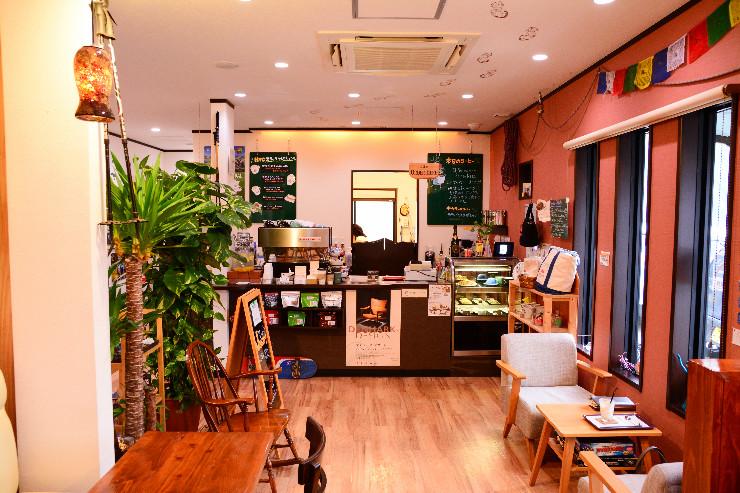 ハッピートレイルズコーヒーのカウンター
