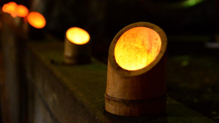 四萬六千日祭幻想的な灯り