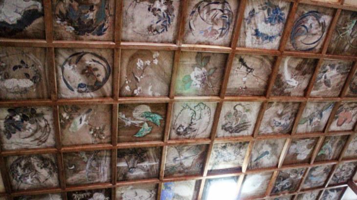 三柱神社の天井画