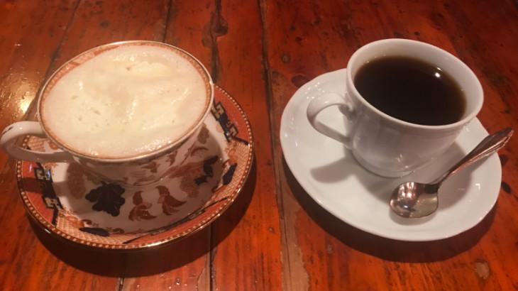 珈琲専門店くにまつのブレンドコーヒーとウィンナーコーヒー