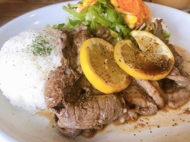 ドットファイブ渋谷店のレモンステーキ