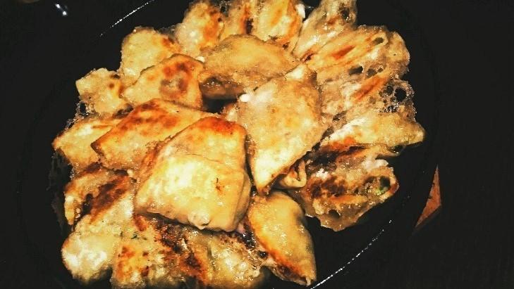 禄鉄鍋餃子