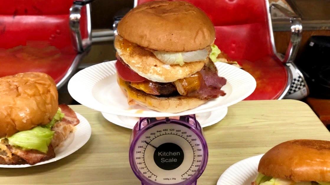 ハンバーガー測量中1